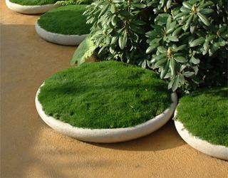 Dichte betonnen schaal voor plant of water 80cm